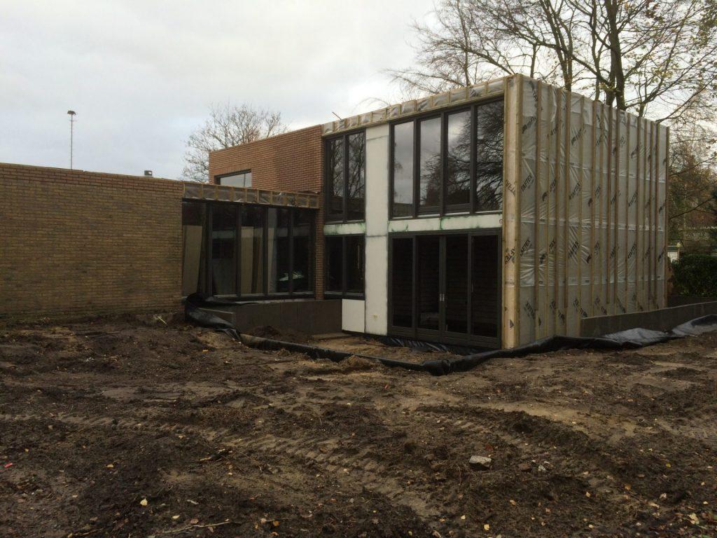 gevel op de bouw bij woonhuis te Heeze